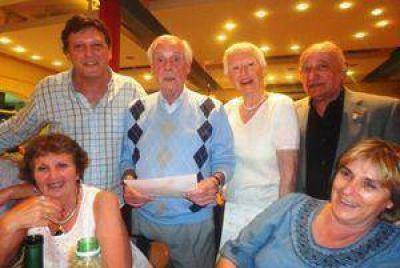 Ex Concejales se reunieron en una cena de camaradería y reconocieron a los más antiguos
