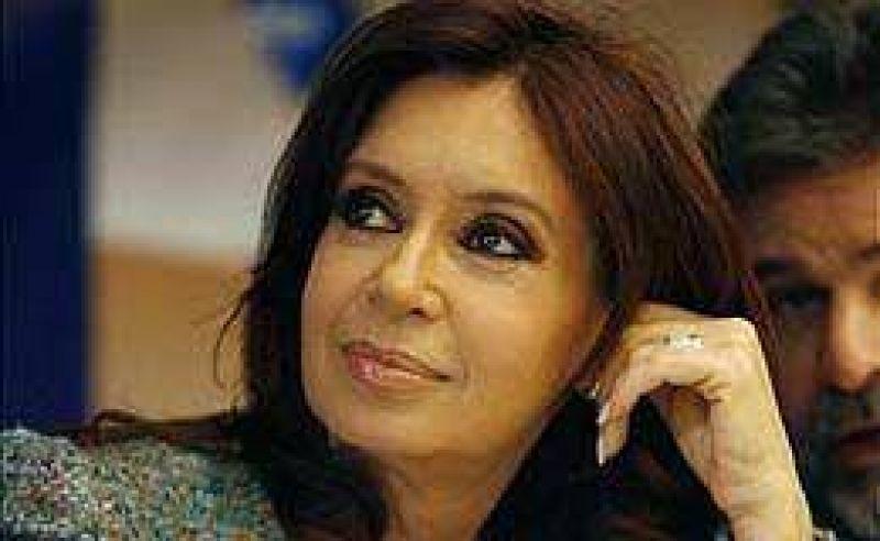 Cristina viajó a Qatar para asistir a la Cumbre de Presidentes de América del Sur y los Países Árabes