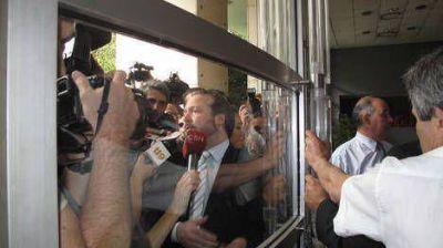Pese a la apelación, Sabbatella se presentó en Clarín