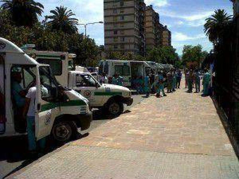 Personal del SAME Jujuy reclamó frente a Casa de Gobierno por incumplimiento de parte de autoridades de Salud