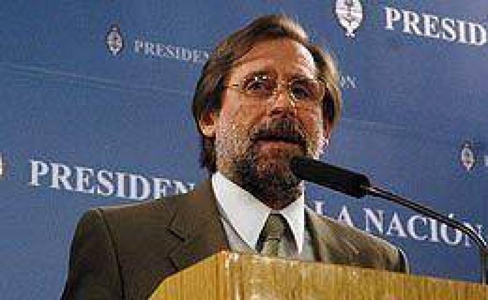 Carlos Fernández defendió la necesidad de capitalizar al BID