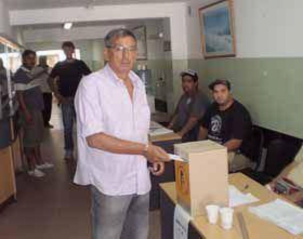 Héctor Villagra asume su séptimo mandato en la UOCRA