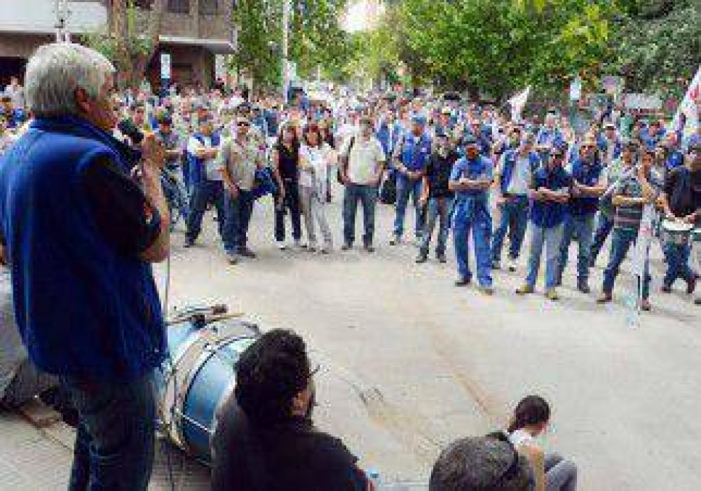 Trabajadores del EPEN profundizan la protesta pero mantienen las guardias