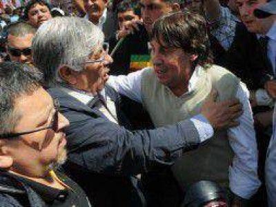 Moyano y Micheli marchan a Plaza de Mayo