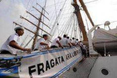 La Fragata emprende el regreso