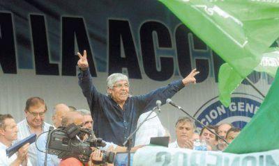Moyano y Micheli, algunos estatales y una columna del radicalismo, a la Plaza