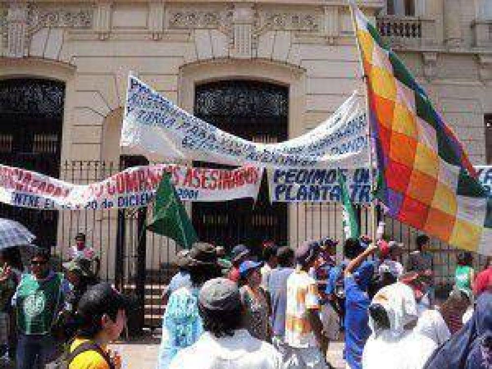 CTA Jujuy y ATE marcharon por las calles de nuestra ciudad reclamando diálogo al Estado Nacional