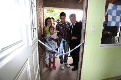 Plan Solidaridad: Una familia de inclusión social recibió su nueva vivienda