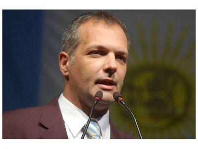 """El gobernador anunció que """"el Estado implementara el Programa GIRSU en la Comarca Andina"""""""
