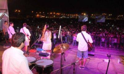 La multitud celebró junto a Agapornis la inauguración del Parque Urbano Tiro Federal