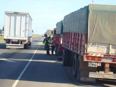 Costos de transporte carretero de cargas de cabotaje aumentaron 2,83 por ciento en noviembre 2012 en Mendoza