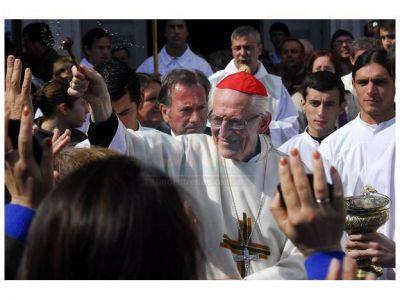 """El cardenal Karlic rompió el silencio y dijo que está """"dolido"""" por el caso Ilarraz"""