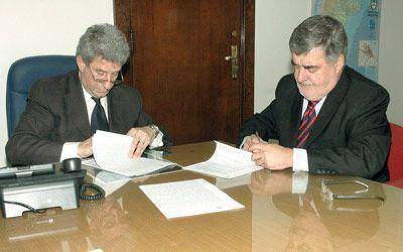 Das Neves firmó el acuerdo para la refacción del Hospital Alvear.
