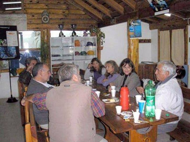 Respaldo de Ana Pechen a la Fundaci�n Salm�nidos de Angostura.
