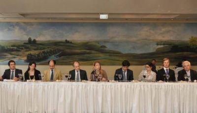 Giorgi llamó a los empresarios a combatir el trabajo informal