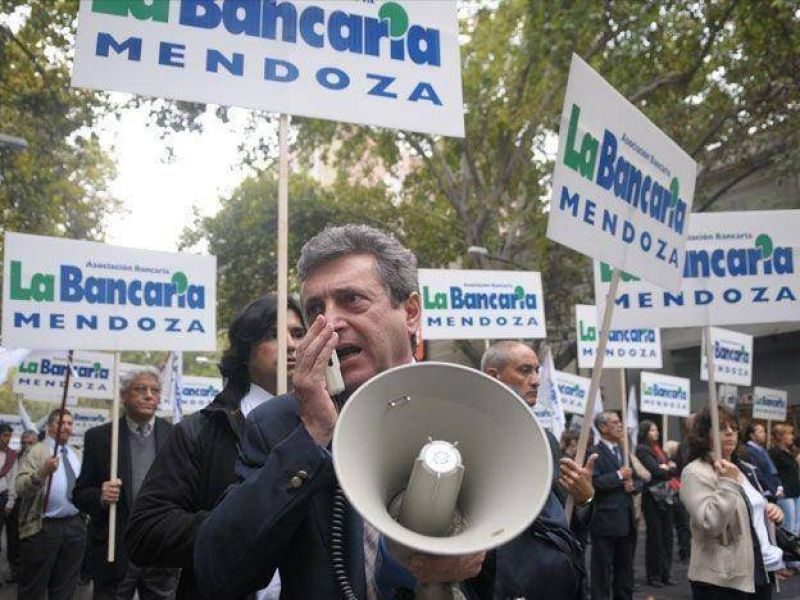 Los bancarios marchar�n este mi�rcoles de 11 a 13 por Ciudad y amenazan con un paro para el jueves