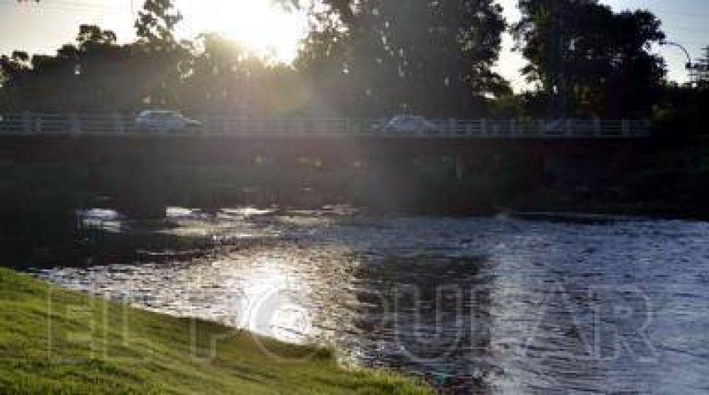 El desborde del arroyo Azul sería en las primeras horas del miércoles