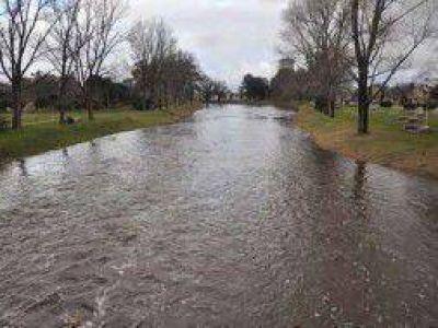 Alerta en Azul por inminente desborde del arroyo