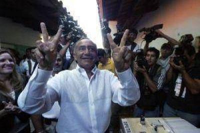 Oviedo inicia un nuevo periplo hacia la presidencia paraguaya