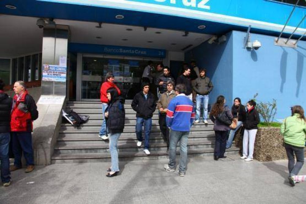 Hoy habrá paro bancario en Santa Cruz
