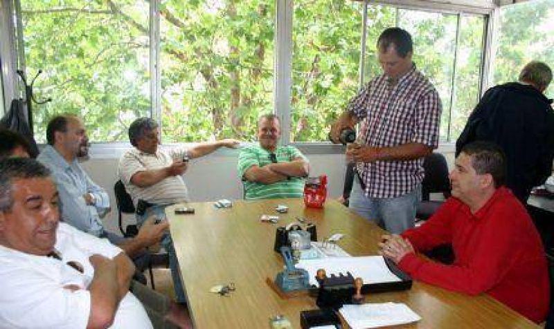 CGT tomó el ministerio de Trabajo provincial ante una posible intervención