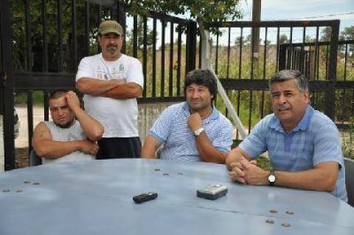 La CGT y los trabajadores pidieron por la reconversión de Curtarsa