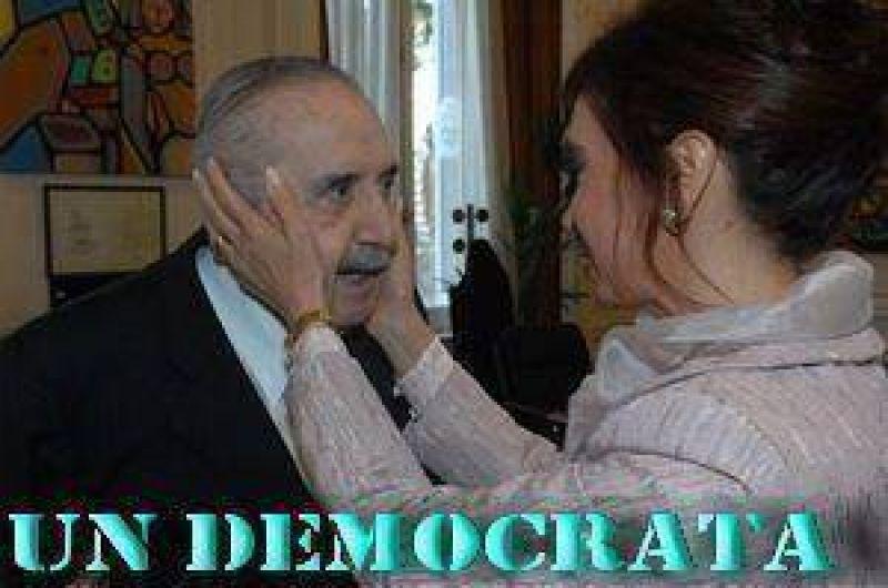 """""""Un Democrata que nos volvió a las instituciones a los Argentinos"""", Dante Aucapiña."""
