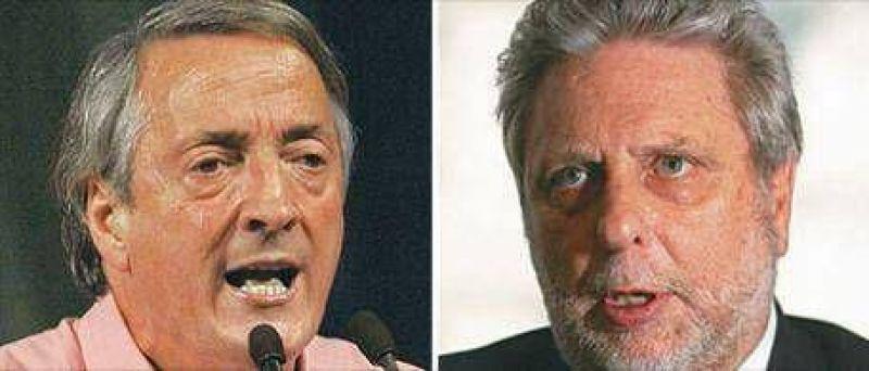 """Llamb�as: """"Me gustar�a un mano a mano con Kirchner"""""""