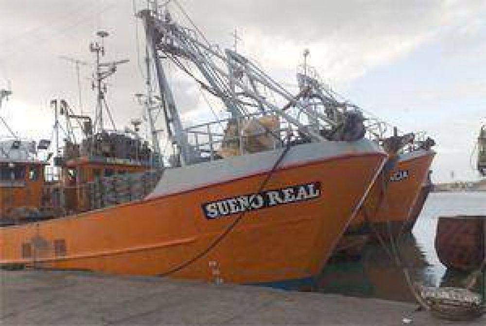 Se reflota el paro en la flota fresquera amarilla
