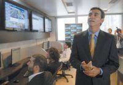 """Randazzo: """"A Macri no le importan los usuarios del subte ni los comerciantes"""""""
