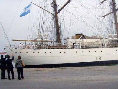 Estiman que la Fragata Libertad llegará por la tarde a Mar del Plata