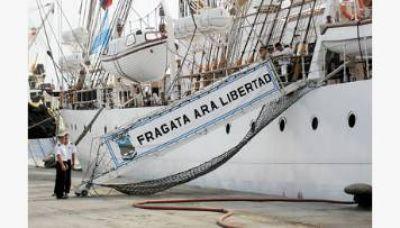 Fragata: tienen que dragar el puerto de Mar del Plata