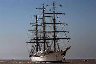 """El puerto de Mar del Plata """"est� en condiciones para recibir a la Fragata Libertad"""", dice Schmidt"""