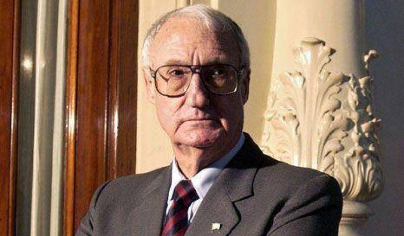 """Balza: """"Alfons�n respet� a las fuerzas armadas"""""""