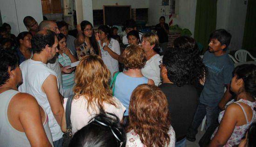 """Feriantes del """"Bolishopping"""" afectados por los saqueos crearon una cooperativa"""