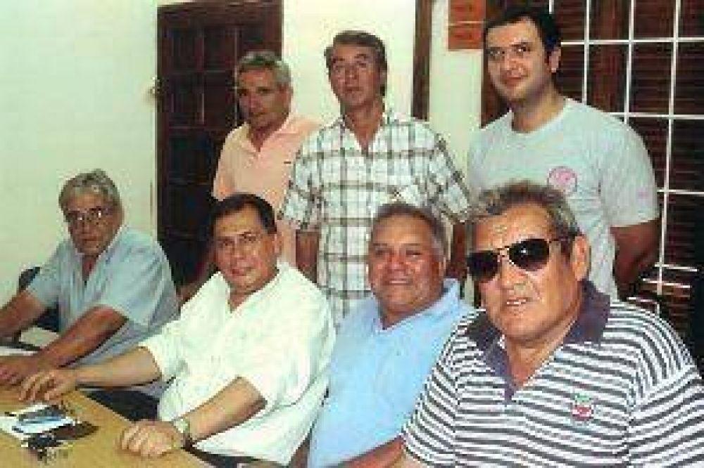 Dirigentes del Suoem presentan a su asesor