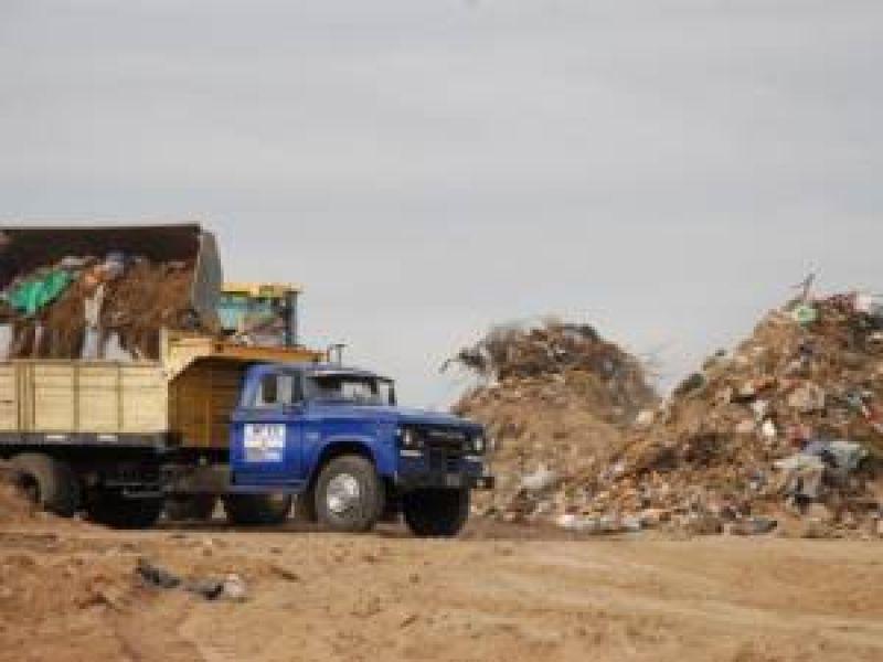 Los municipales y camioneros responden a las acusaciones del intendente Ponce