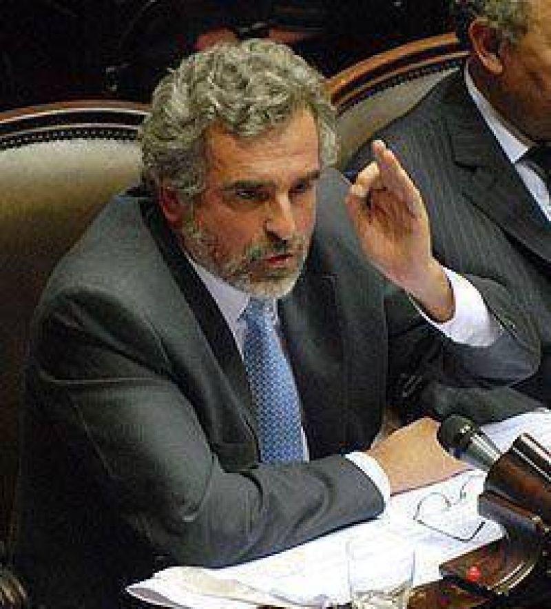 El PJ santafesino suspendi� las internas y Rossi arremeti� contra la iniciativa