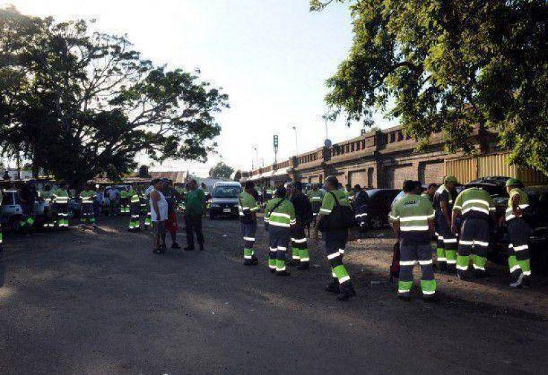 Basura: la Ciudad denunció a camioneros por el bloqueo