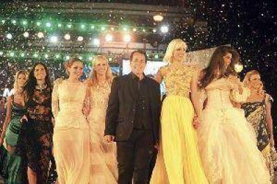 El Mar del Plata Moda Show 2013 brilló en Playa Grande y, también, con diseños de una santiagueña