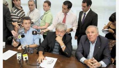 El campo aplazó un posible paro e instó al Gobierno a dialogar