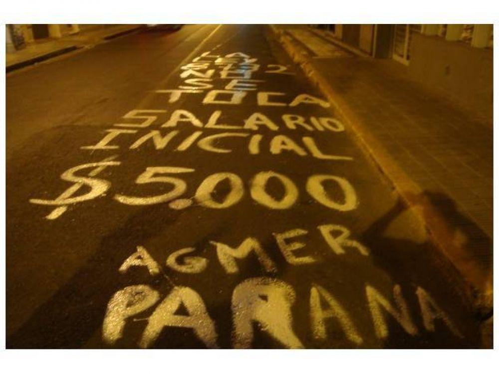 Con una pintada, Agmer Paraná pidió un salario inicial de 5.000 pesos