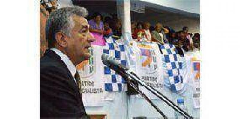 """Rodr�guez Sa�: """"Tenemos que evitar que la crisis llegue a los pobres""""."""