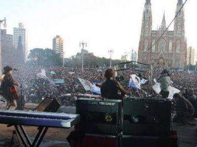 """Comienzan los recitales gratuitos en La Plata: """"Es para aquellos vecinos que se quedaron en la ciudad"""", dijo Cipollone"""
