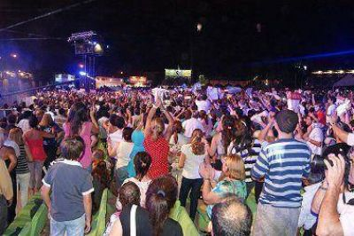 """La """"Sole"""" hizo vibrar al público en el Anfiteatro Cocomarola"""