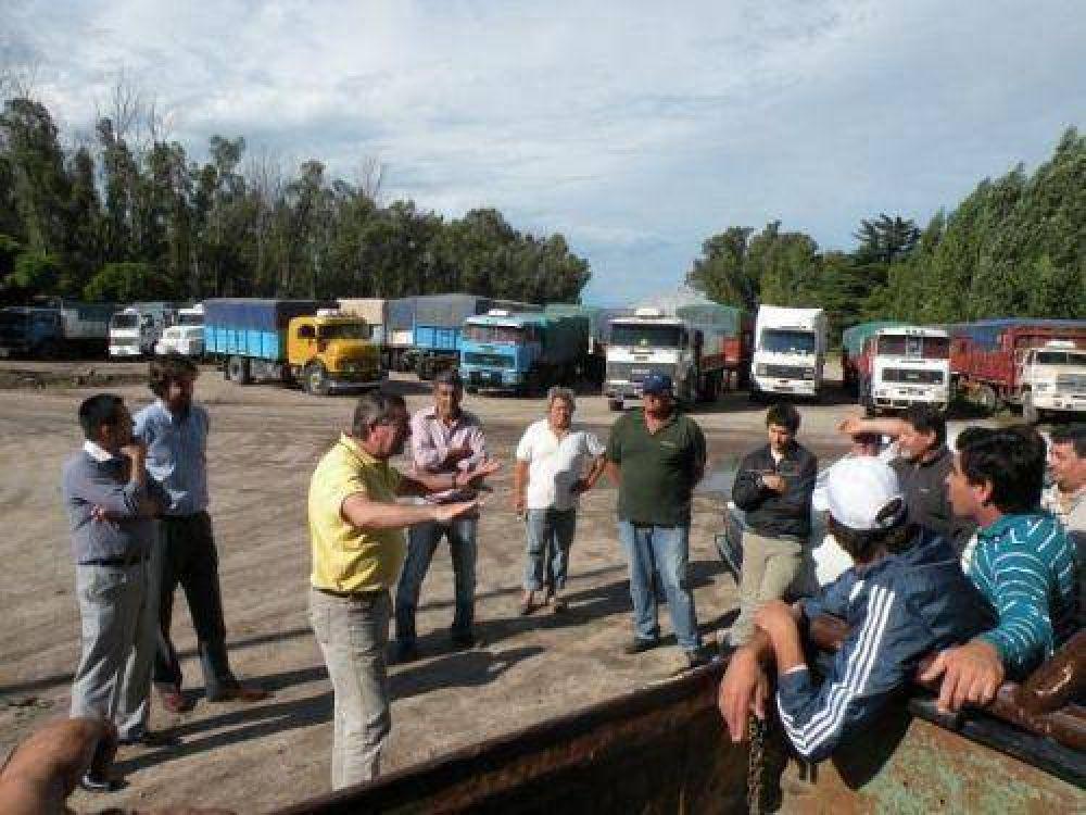 Transporte: cerealeros amenazan con bloquear acopios que incumplan tarifas
