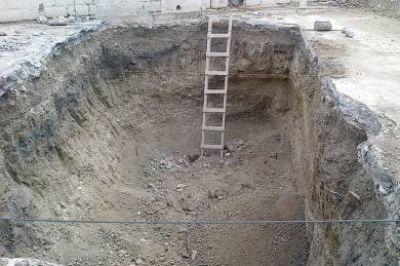 Hallan restos arqueológicos en un predio del edificio de la Prefectura en Puerto Deseado