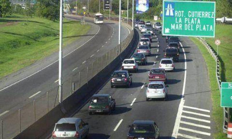 Los trabajadores del peaje de la Autopista levantaron el paro
