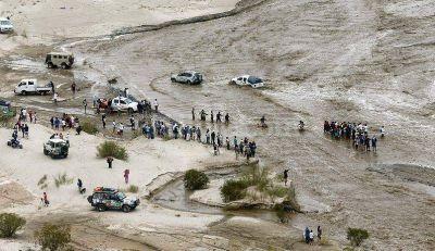 El desborde de ríos por las lluvias complicó la jornada en el Dakar