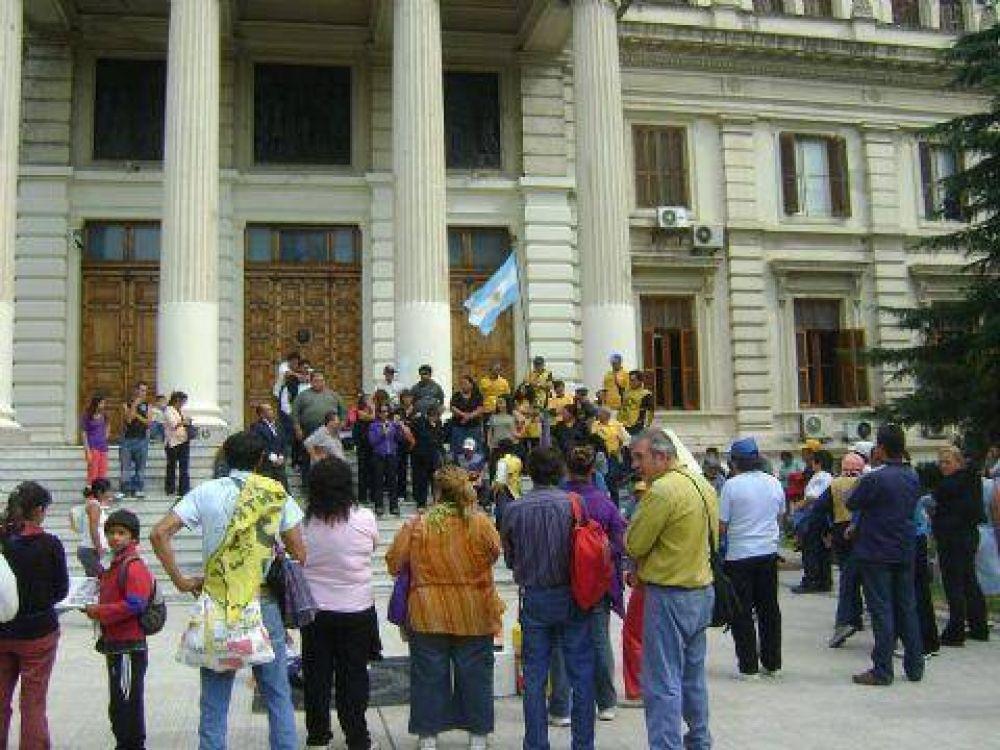 Raúl Castells oficializó a sus candidatos a diputados y concejales por La Plata